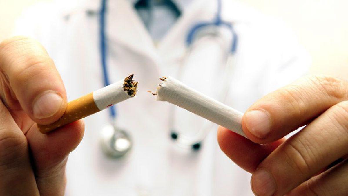 Fumatul prezintă risc  pentru infectarea cu Covid-19